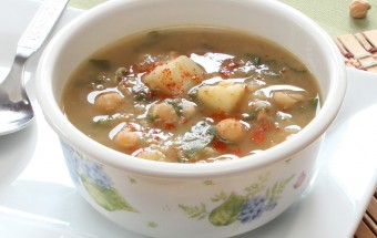 Garlic Chickpea and Spinach Soup Featured