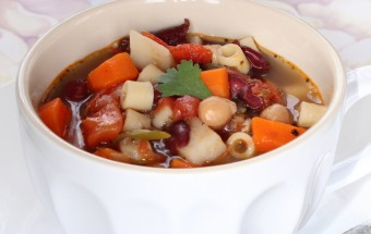 Minestrone Soup Featured