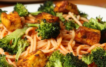 Spaghetti with Broccoli and Tofu Featured