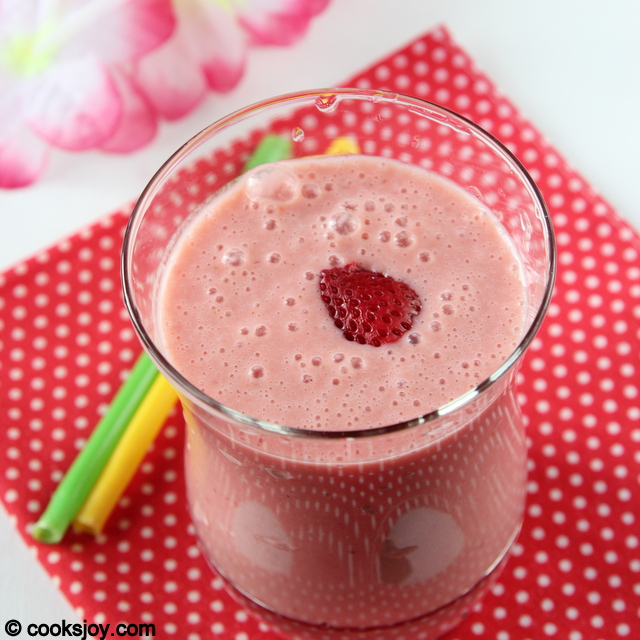 Strawberry Orange Smoothie | Cooks Joy