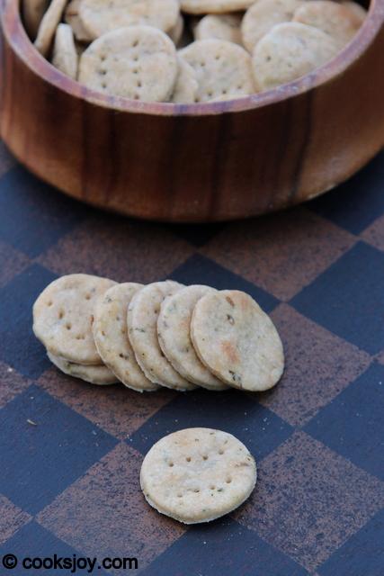 Kasturi Methi Crackers | Cooks Joy