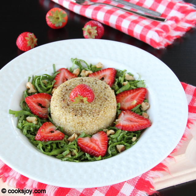 Spinach Quinoa Strawberry Salad | Cooks Joy