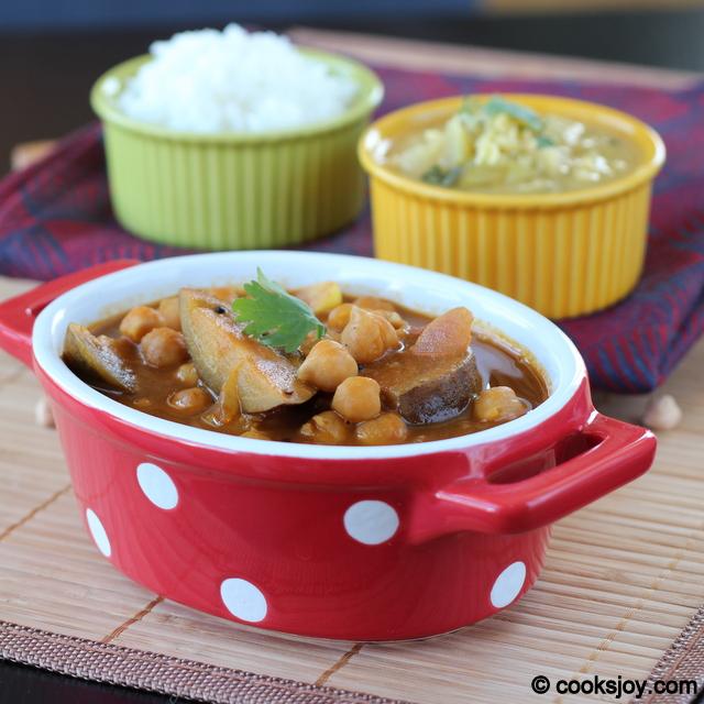 Kathirikai Mookadalai Kuzhambu (Tangy Tamarind Gravy)   Cooks Joy