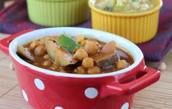 Brinjal Garbanzo Kuzhambu (Tangy Tamarind Gravy) | Cooks Joy
