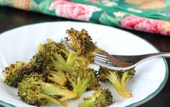 Spicy Roasted Broccoli (Healthy) | Cooks Joy