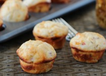 Spicy Jalapeno-Cheese Muffins