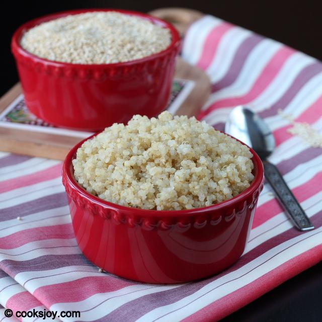 How To Cook Quinoa (Prepare Fluffy Quinoa