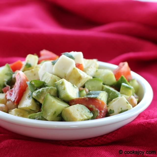 Fresh Mozarella Salad with Cucumbers and Garbanzo| Cooks Joy