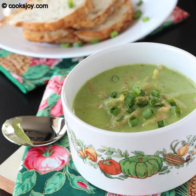 Capsicum Spring Onion Noodle Soup | Cooks Joy