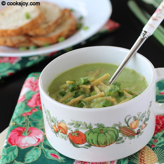 Bell Pepper Spring Onion Noodle Soup | Cooks Joy