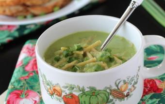 Green Capsicum Spring Onion Noodle Soup | Cooks Joy