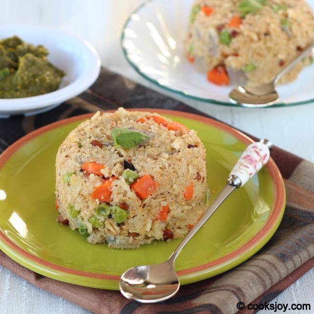 Oats - Wheat Rava Upma | Cooks Joy