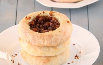 Bialys (Chewy Rolls topped with Caramelised Onions) | Cooks Joy