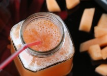 Cantaloupe Smoothie (Muskmelon Juice)