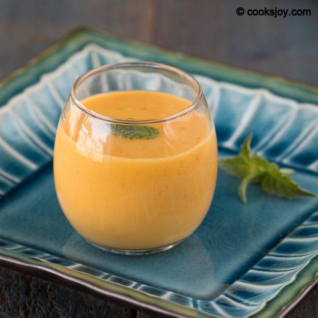 Mango Banana Smoothie | Cooks Joy