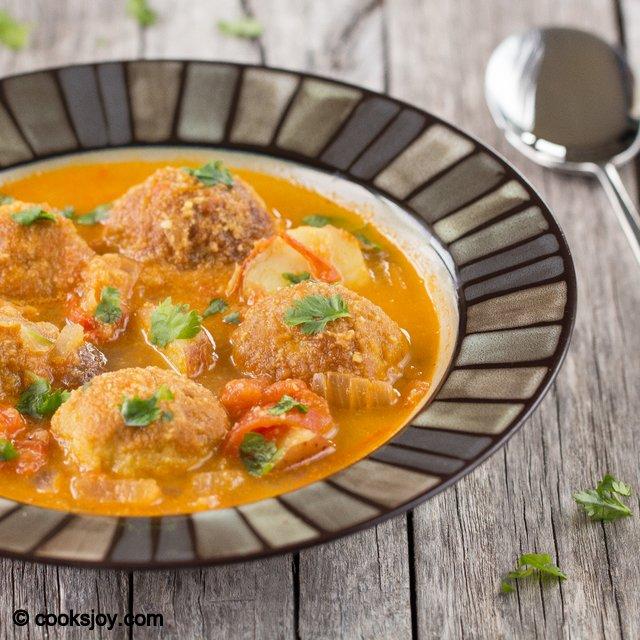 Pakoda Potato Kuruma | Cooks Joy