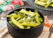 Tomatillo Pasta with Asparagus