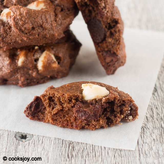 Greek Yogurt Chocolate Cookies | Cooks Joy