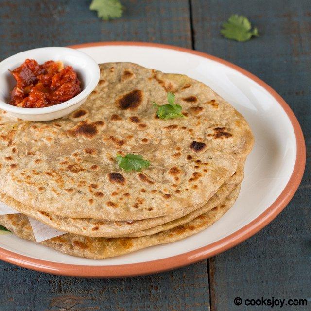 Mutter Paneer Paratha | Cooks Joy