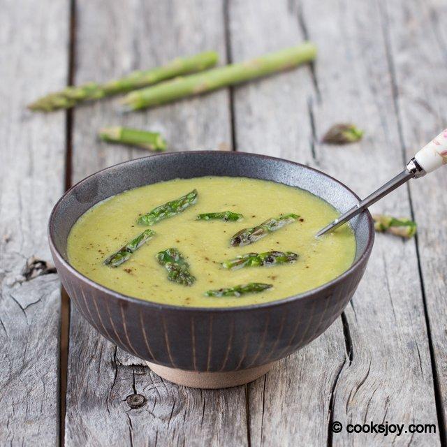 Asparagus Chickpea Soup | Cooks Joy