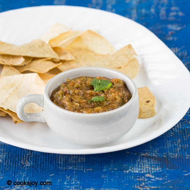 Roasted Hatch Chile Salsa | Cooks Joy