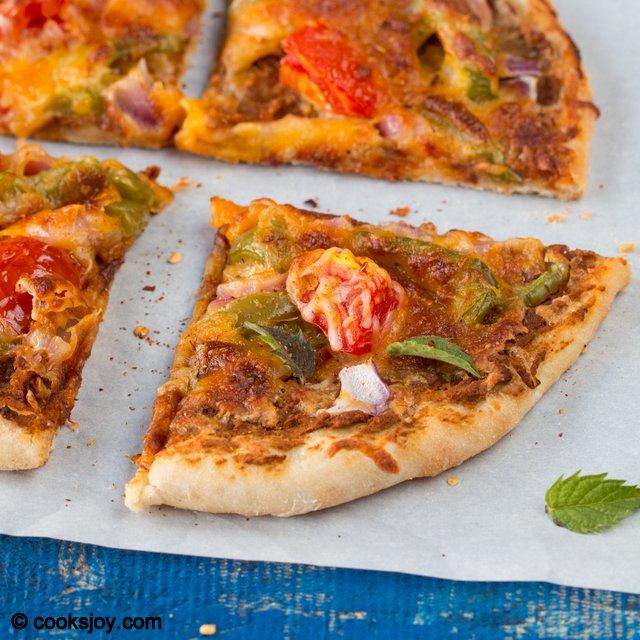 Sun Dried Tomato Hummus Pizza | Cooks Joy