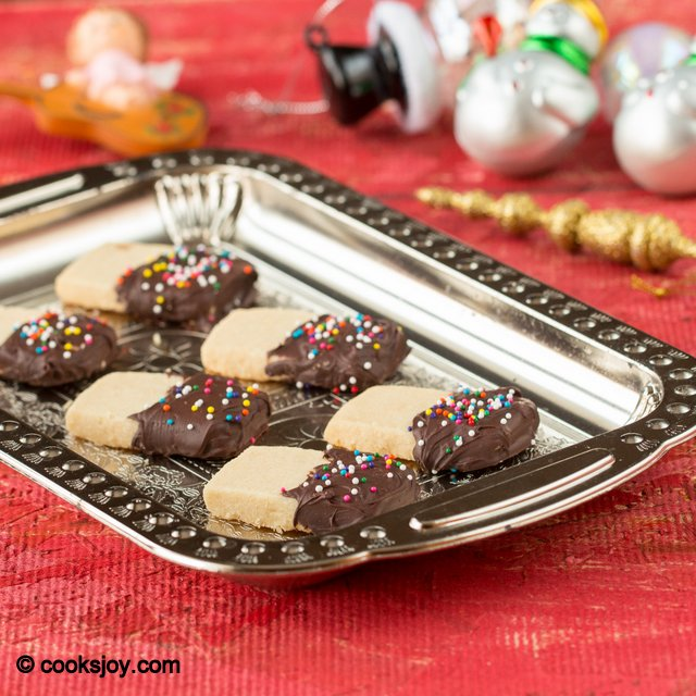 Chocolate Dipped Shortbread Cookies | Cooks Joy